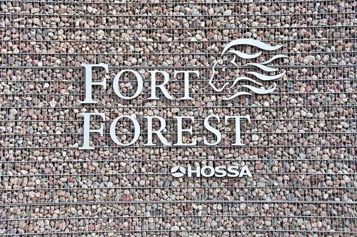 SKOTIA Photography - Through The Lens: Fort Forest - Osiedle wybudowane przez Hossę