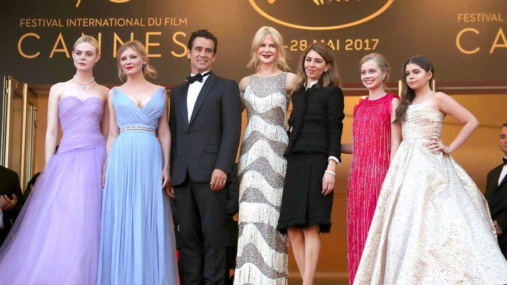 A edição de 2017 do Festival de Cannes, que acontece entre 17 e 28.05, traz um dos seus line-ups mais fortes nos últimos anos, uma programação intensa de festas e a presença de diretores incensados e super estrelas do cinema para comemorar o 70º aniversário do evento. E, como de costume, no tapete vermelho da croisette não faltam looks incríveis. Julianne Moore,Elle Fanning, Jessica Chastain, Tilda Swinton, Nicole Kidman e Isabelle Huppert (essas duas últimas reafirmando um momento de…