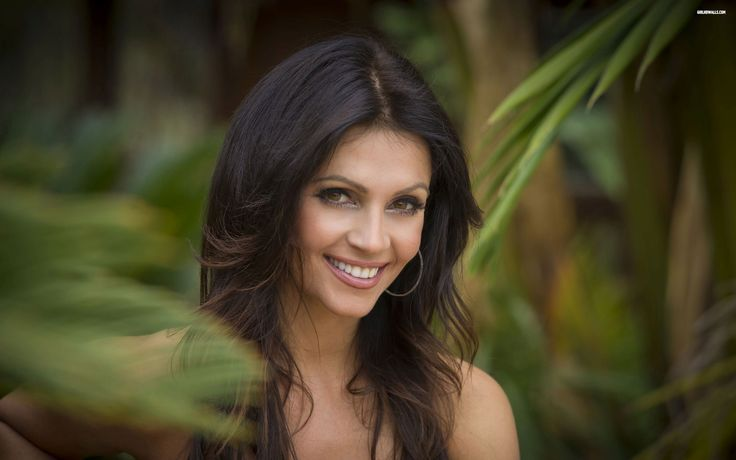 Clive MacDonald - HD Widescreen denise milani picture - 2880 x 1800 px