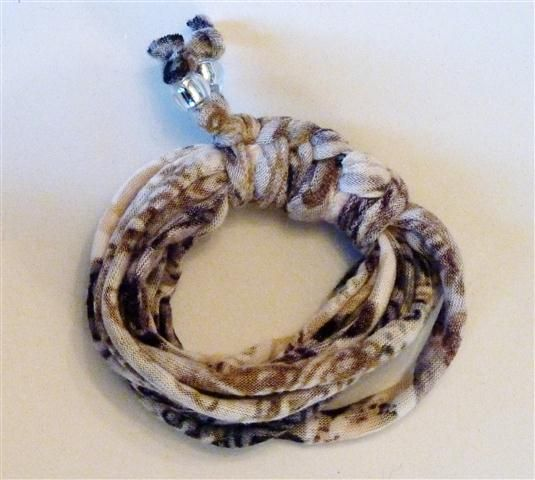 Brown patterned bracelet (16B)