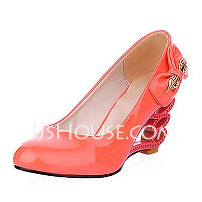 Pumps - $21.99 - Patent Leather Wedge Heel Closed Toe Pumps With Bowknot (085015192) http://jjshouse.com/Patent-Leather-Wedge-Heel-Closed-Toe-Pumps-With-Bowknot-085015192-g15192