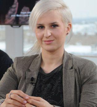 W studiu Dzień Dobry TVN gościliśmy Andrzeja Bielaka, projektanta i producenta biżuterii, wraz z córką Marią. Opowiedzieli nam skąd wziął się pomysł na biznes, jakie mieli najciekawsze zlecenia od klientów oraz jaką stosują technikę w produkcji biżuterii.