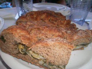LE  RICETTE DI CHARA: Pane di segale con semi di lino farcito con cicori...