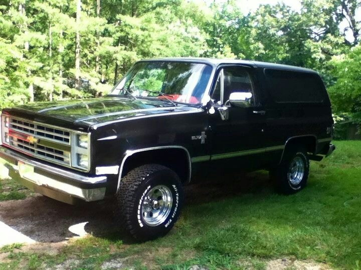 85 Chevy Blazer  what I learned to drive on big diesel with the