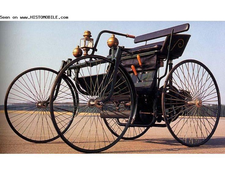 Daimler Stahlradwagen (1889-1889)   ===>  https://de.pinterest.com/pin/475974254344156602/   ===>  http://show.histomobile.com/affiphot.php?photog=&marnum=160461&id=18519981&num=291&res=800