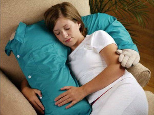 DIY Boyfriend Pillow. This is perfect gag gift for those people who feels lonely in nights.