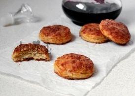 Супер вкусное печенье с беконом и сыром