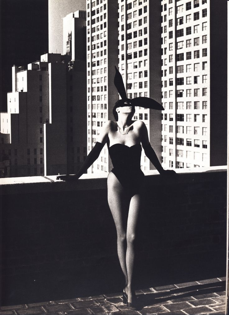 Helmut Newton photographer: 12 тыс изображений найдено в Яндекс.Картинках