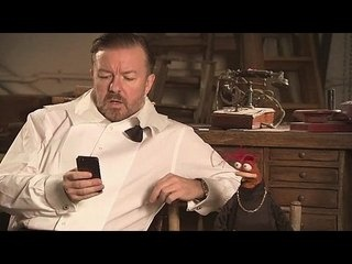The Muppets... Again!: On Set: Ricky Gervais and Pepe the King Prawn --  -- http://wtch.it/XTvMD