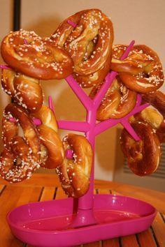 LA recette des Bretzels au vrai goût de Bretzels http://www.fourchett.es/aperitif/des-bretzels-au-vrai-gout-de-bretzel/07-12/