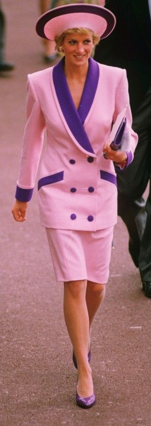 Diana in Catherine Walker with Phillip Sommerville hat. Royal Ascot, June 1990.