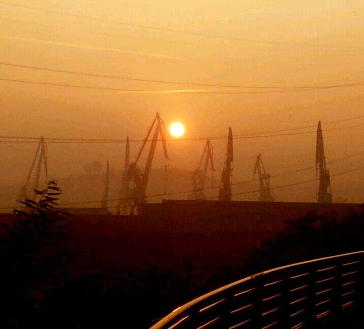 Gigantes al Sol. Photograph Jon Vicente.