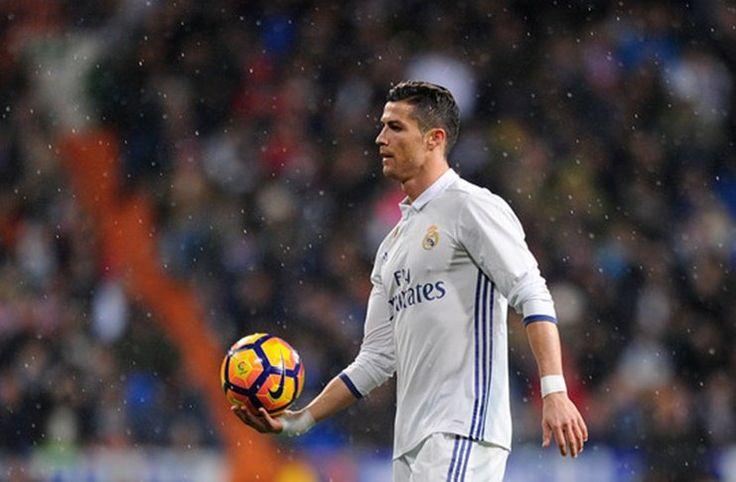 Real Madrid: Ronaldo Dicemooh Fans Sendiri, Casillas Angkat Suara -  https://www.football5star.com/liga-spanyol/real-madrid/real-madrid-ronaldo-dicemooh-fans-sendiri-casillas-angkat-suara/