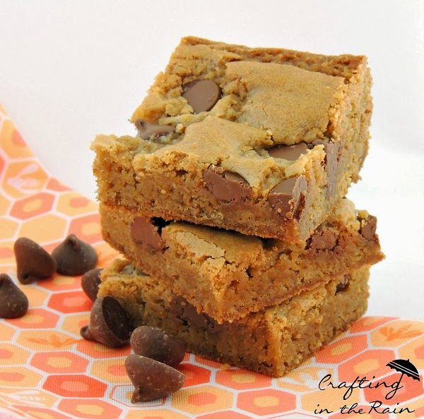 Blondies recipe for a dense, chewy, chocolate chip cookie bar (chocolate chip cookie no eggs)