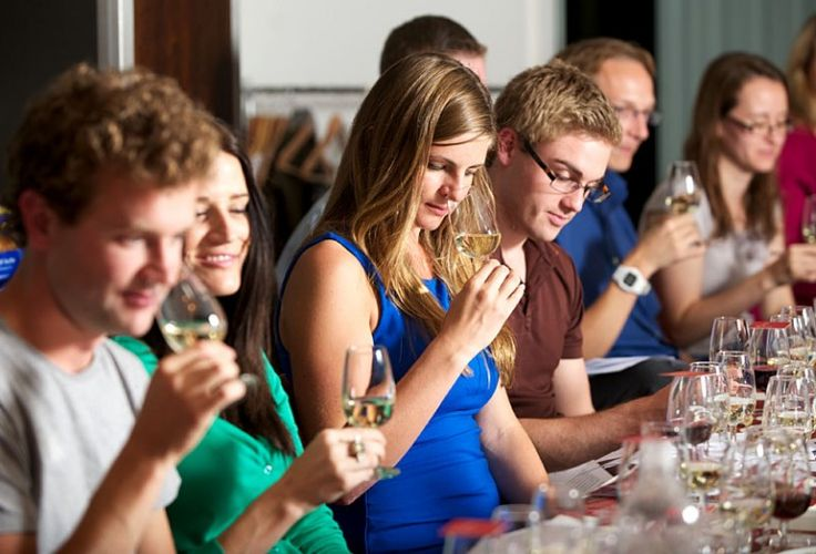 Wine tasting at The Mitre South London Wine School teaches you to be a better wine connoisseur!