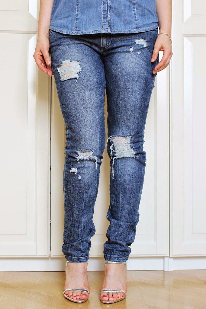 IT: L'idea per questo DIY non è stata di certo difficile da trovare: i jeans strappati, sfilacciati e rotti sono il pane quotidiano per chi come me è appassionato di moda e si trova a sfogliare una rivista o a …