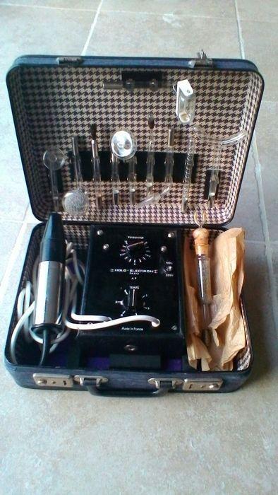 Online veilinghuis Catawiki: Oud medische materialen voor elektrotherapie UV HOLO ELECTRON 1968