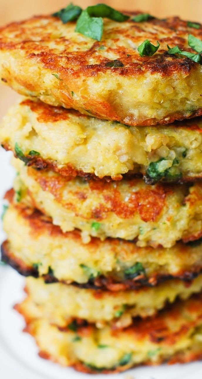 Spaghetti Squash, Quinoa and Parmesan Fritters – delicious, healthy snack that everybody in your family will love! Gluten free, vegetarian recipe.