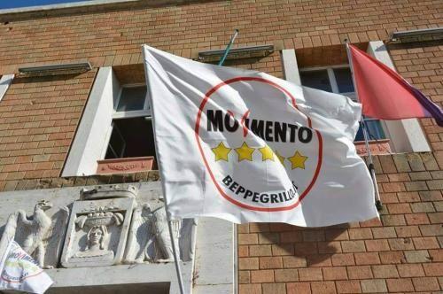 Lazio: Gli #occhi del #mondo sul M5S pometino: il consigliere Velli intervistato da un dottorando cileno (link: http://ift.tt/2gxOivW )