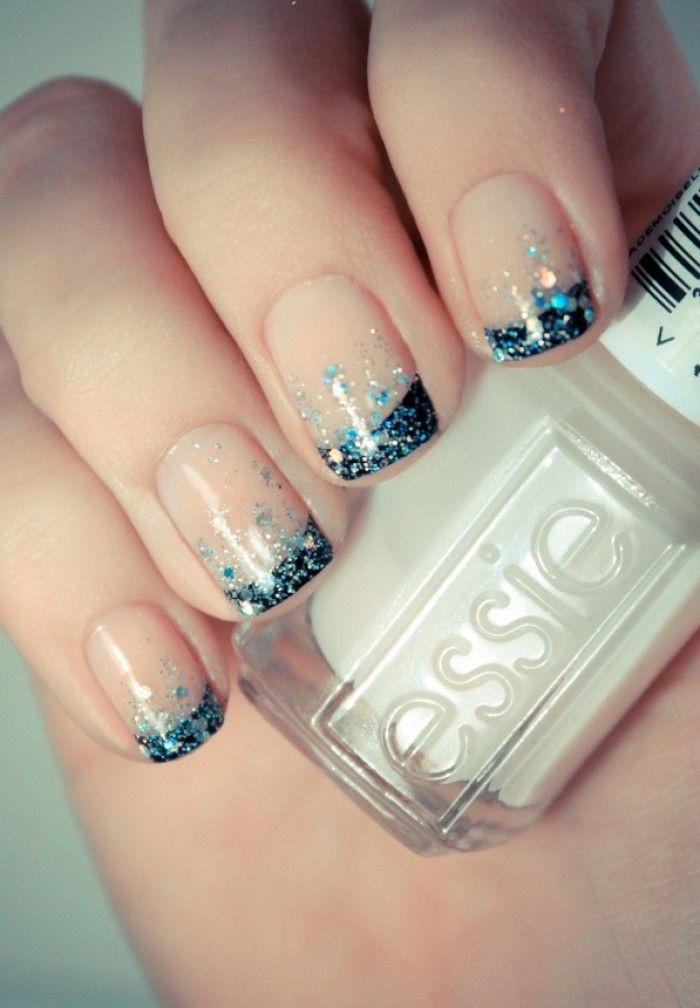 French nails met glitters