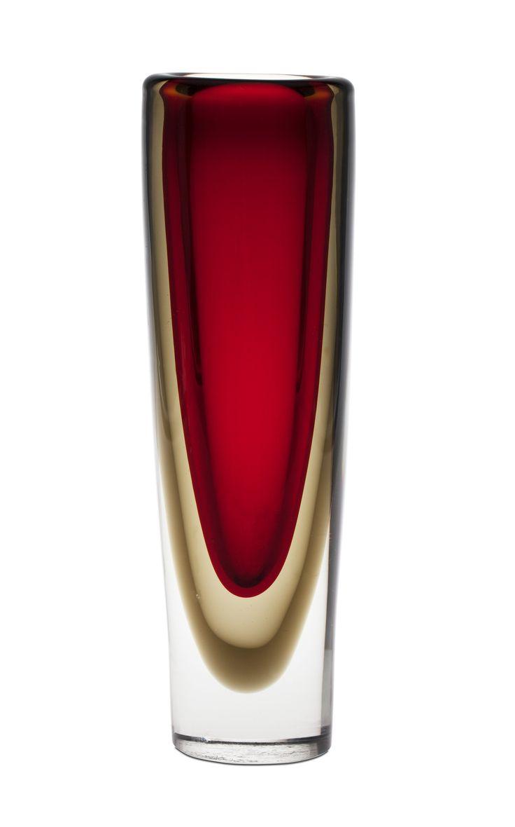 ruby glass vase // 8269157 bukobject