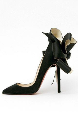 Black, satin, sexy and classic!Fashion, Style, Louboutin Heels, Louboutin Bows, Black Heels, High Heels, Christian Louboutin, Louboutin Shoes, Christianlouboutin