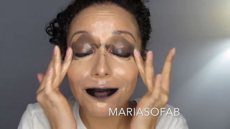 Watch Preen.Me VIP Maria in action as she removes her Halloween makeup effortlessly using her gifted Dermalogica® #PreCleanse Oil-Busting Emulsifyer. Breakdown waterproof and long-wearing makeup on your skin's surface by clicking through.