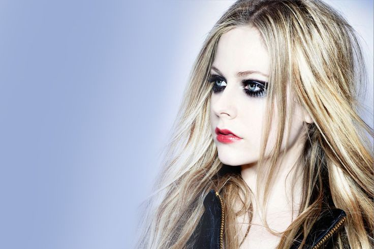 New Single Alert - The return of the original pop punk singer Avril Lavigne..!