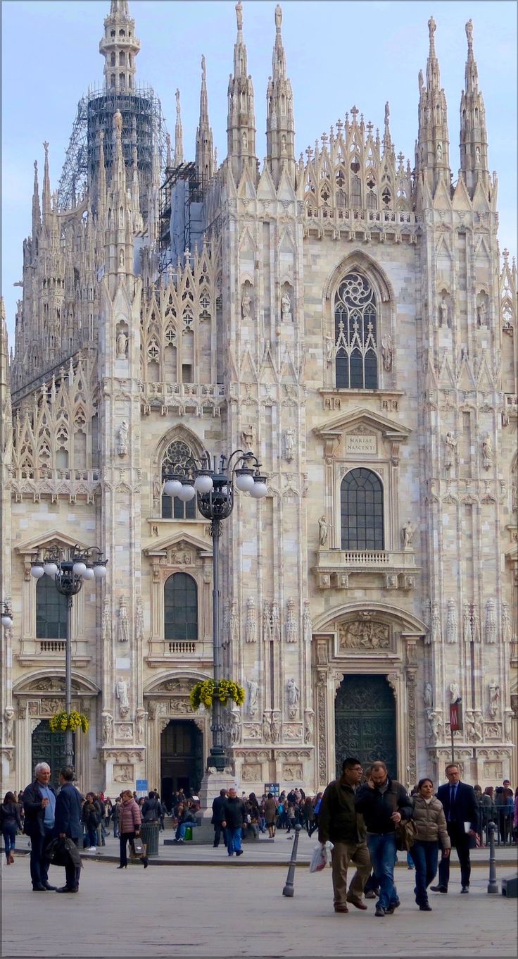 If you want to spend one day in Milan, Italy, read this fun travel article to find out what to do, where to go and how to do it.