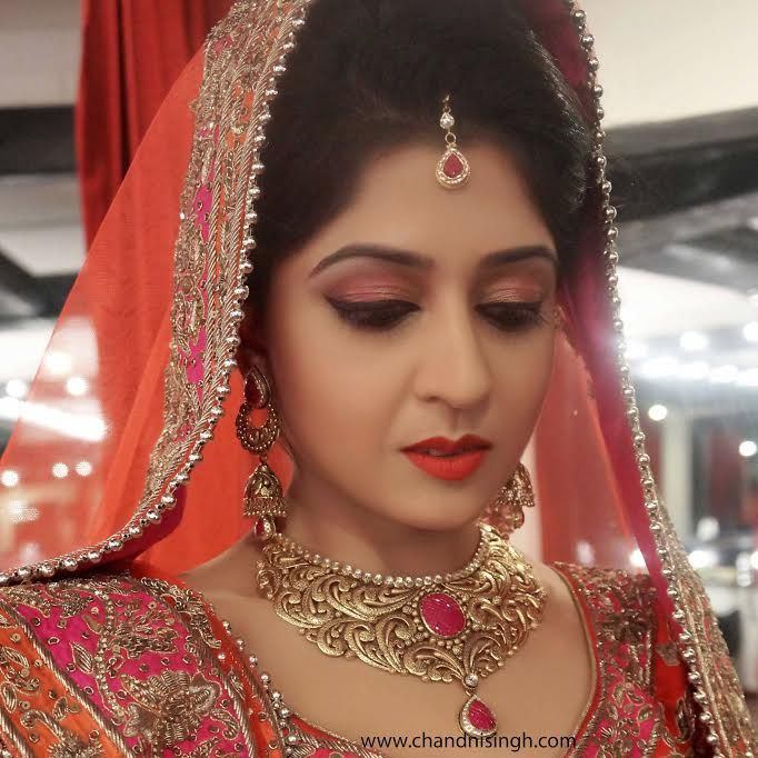 How To Do A Bridal Makeup Consultation : 17 Best images about Bridal on Pinterest Indian wedding ...
