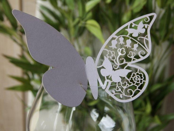 Bordkort Sommerfugl #Lys #Lilla!  Meget smukt og anderledes #bordkort i facon som en #sommerfugl, udført i udstanset metallic karton med perlemorseffekt.