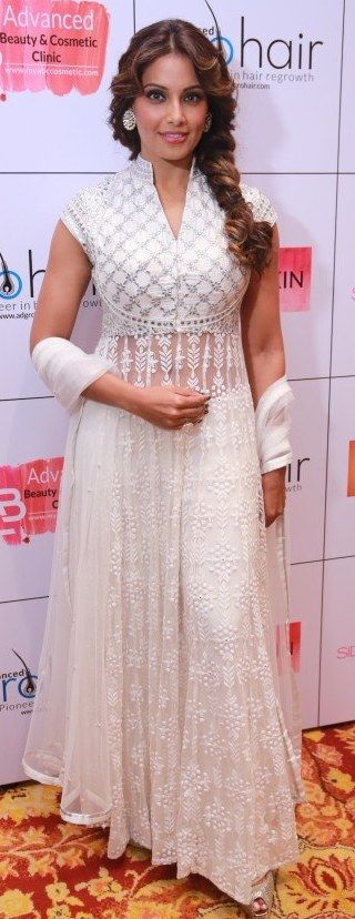 Pinterest:@Littlehub || คdamant love on Anarkali's ✿。。ღ || Bipasha basu in a white anarkali