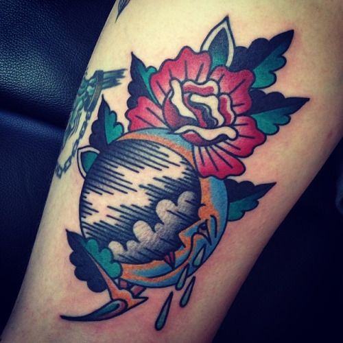 36 best tattoo do 39 s images on pinterest scribble for Traditional moon tattoo
