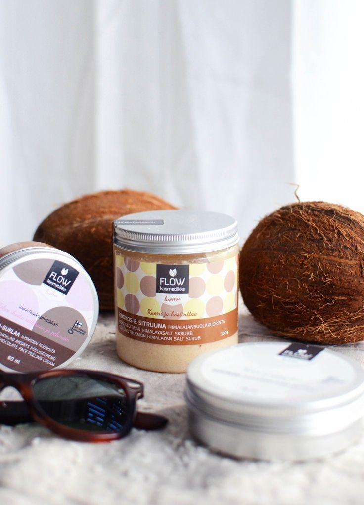 Kookos&Sitruuna kuorintaa sekä Sokeri&Suklaa kuorinta Coconut&Lemon body scrub and Sugar&Chocolate facial scrub
