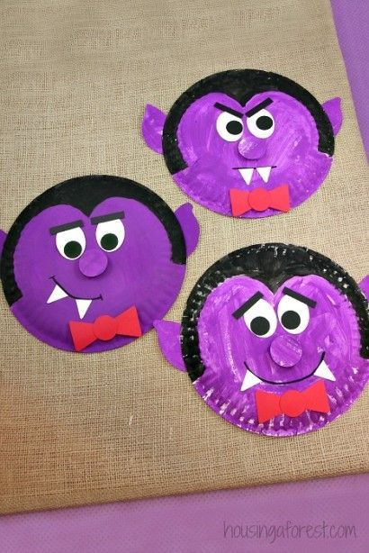 Paper Plate Dracula ~ Halloween Kids Craft