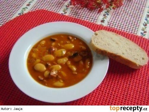 Vuřtový guláš s fazolemi