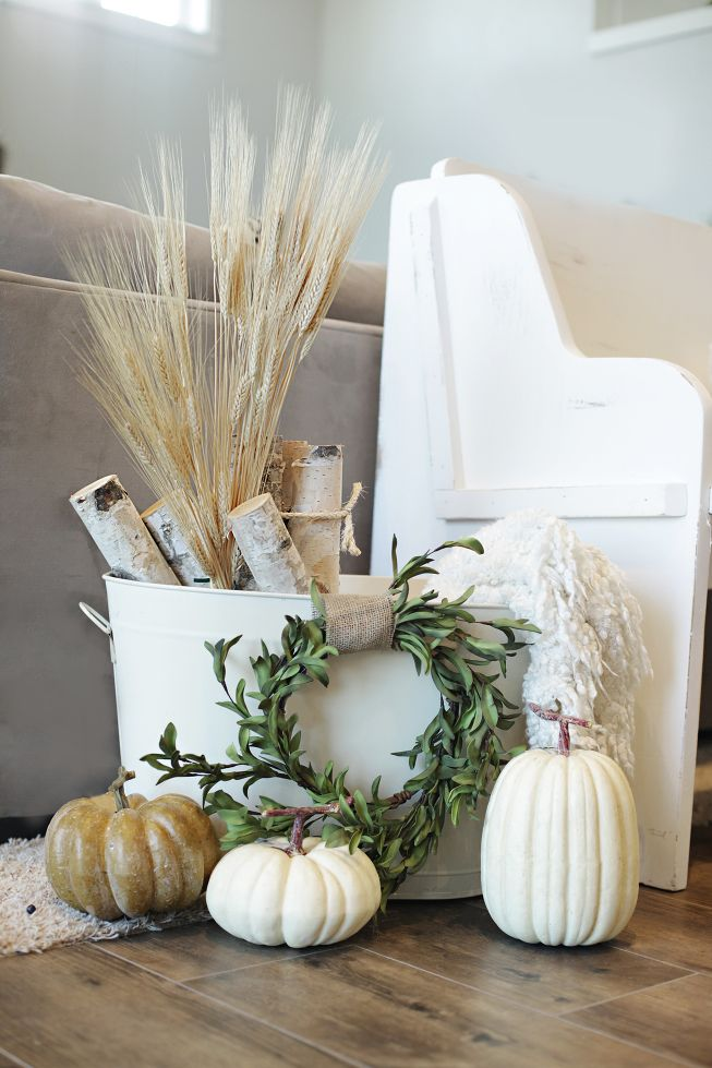 Fall vignette | Fall Decorating Ideas