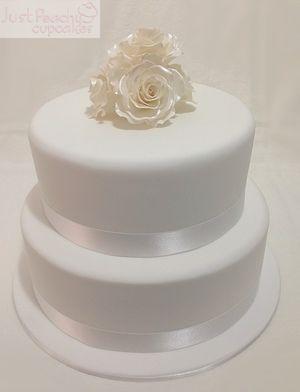 Simply elegant roses wedding cake