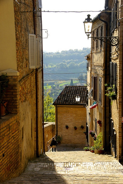 Civitanova, Marche, Italia, province of Macerata... luogo dove nasce la calzatura marchigiana www.loretohotel.it