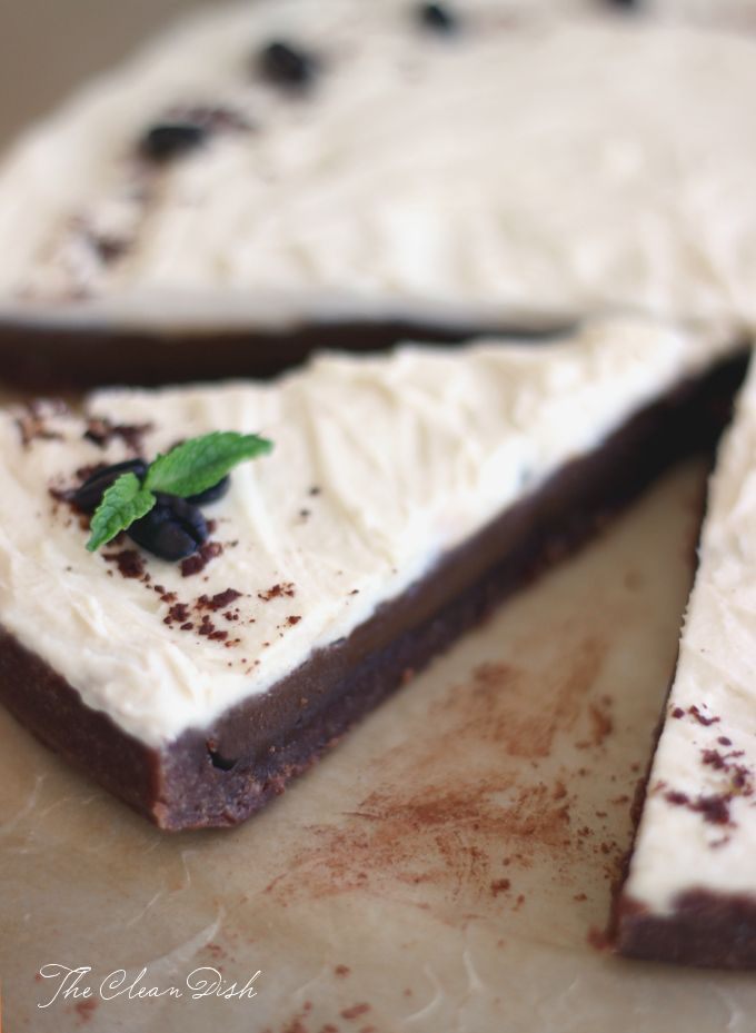 No-bake White Russian Chocolate Tart (raw, grain free, GF, refined sugar free, paleo friendly)