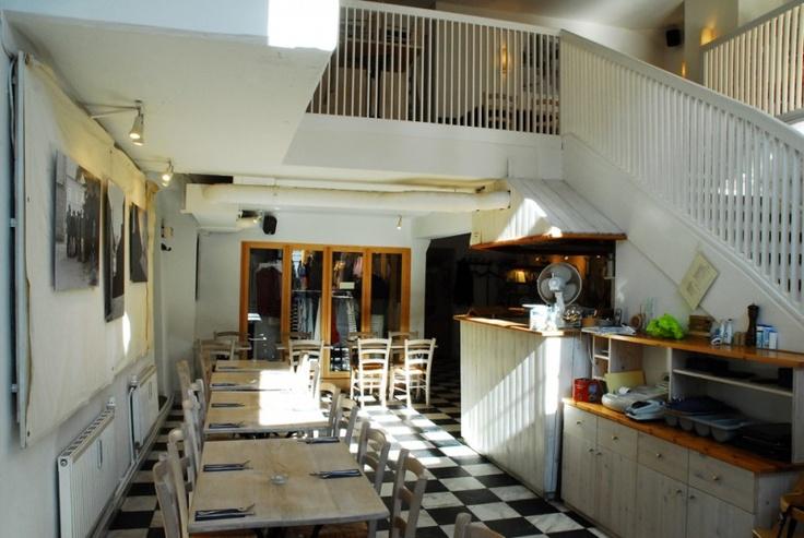 Ti Breizh —Haus der Bretagne Deichstrasse 39 20459 Hamburg Tel.:  040 / 37 51 78 15 tibreizh.de
