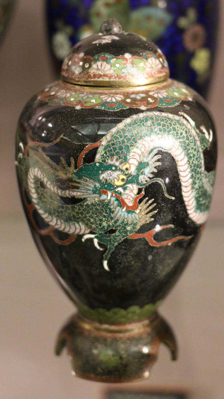 229 best japanese cloisonne misc items images on pinterest a green dragon on a japanese cloisonne jar typically japanese dragons are more serpentine than reviewsmspy
