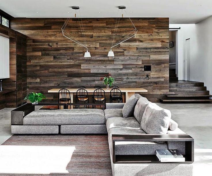 parement intérieur en bois récup d'aspect vieilli dans la salle à manger ouverte sur le salon