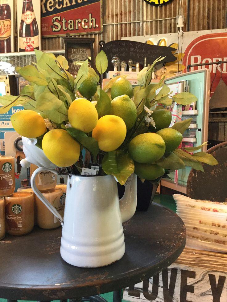 25 Best Ideas About Lemon Kitchen Decor On Pinterest