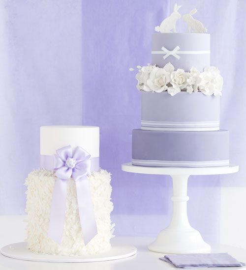 Just a Splash: Wedding Cakes with Colour - Cakes & Flowers | The Knot