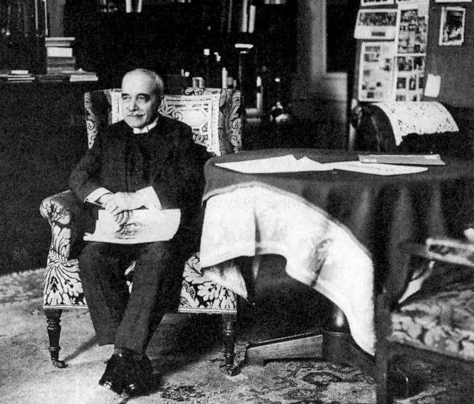De las imágenes. Aby Warburg (1866-1929), the great German art historian, founder of the school of iconology, accomplished a drastic displacement of the conc...