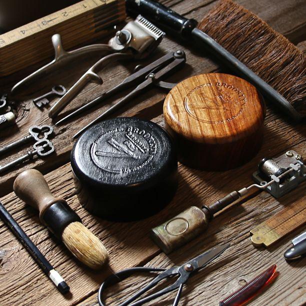 25 best ideas about old school barber shop on pinterest. Black Bedroom Furniture Sets. Home Design Ideas