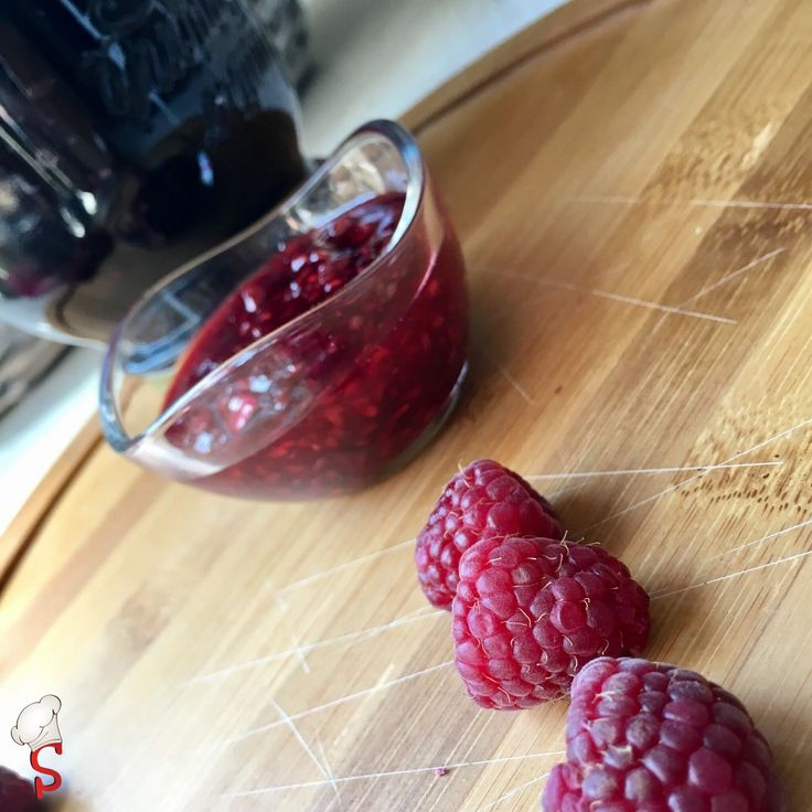 The right direction goes to the homemade raspberry jam.