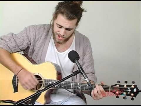 Matt Corby Acoustic Performance 'My False', 'Lighthome' and 'Lonely Souls'