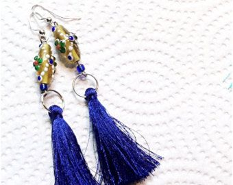 Klosje oorbellen aquamarijn turkooise kleur door atelierJADELZODOR